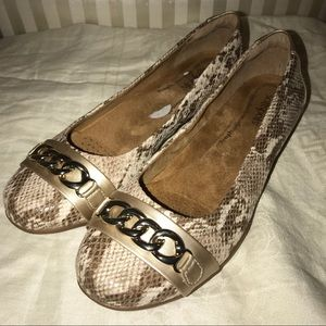 Softspots Snake Print Comfortable Flats, Size 9M